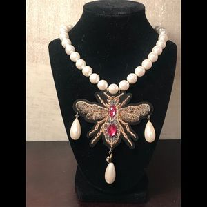 Jewelry - Queen Bee Pearl Drop Necklace with bling statement